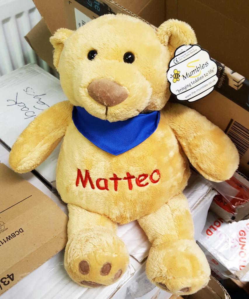 Teddy mit Name bestickt
