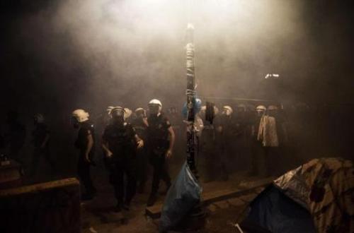Őrület Isztambulban: Újabb heves összecsapások