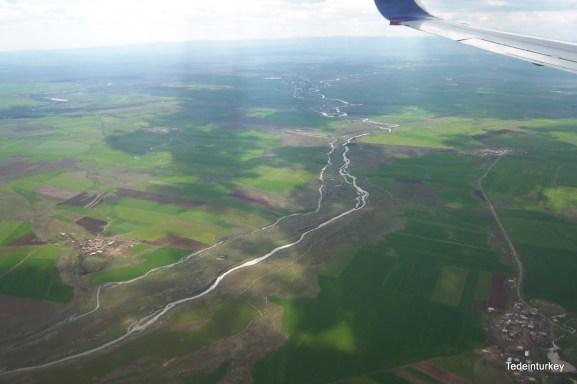 A Tigris-folyó és a vidék áprilisban