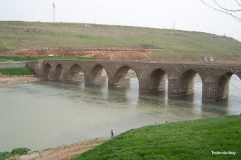 Régi diyarbakiri híd