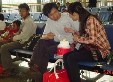 kunming train station2.jpg