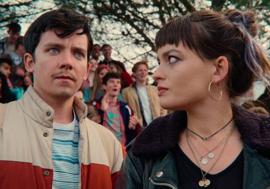 Otis (Asa Butterfield) aparece de bigode em terceira temporada de Sex Education