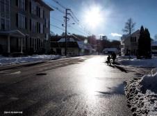 300-walking-2-snow-uxbridge-130217_083