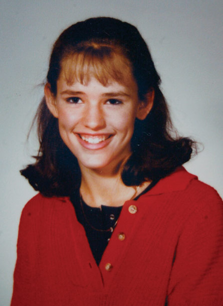 67個巨星學生時期的超青澀畢業紀念冊大頭照。女神卡卡的真是嚇死我了!