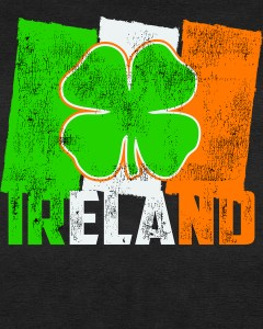 Vintage Ireland Irish Flag St. Patrick's Day Women's T-Shirt