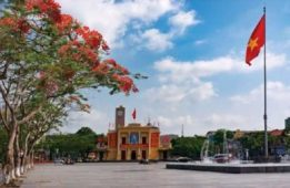 Hai Phong city center square.