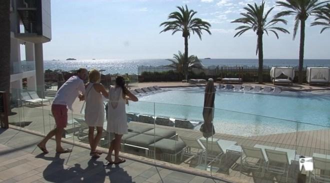 02/02 Els hotelers de les Pitiüses cobraran l'ecotaxa als seus clients