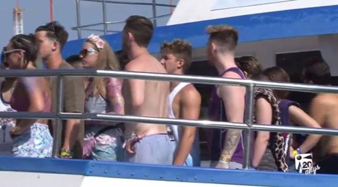 22/07 Les 'Party Boat' accepten la llei que els limita l'activitat