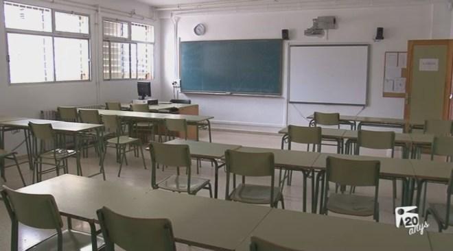 26/10 Prop del 90% dels alumnes segueixen la vaga contra la LOMQE