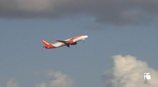 24/05 Les companyies aeries no pujaran els preus dels billets després del descompte per a residents.