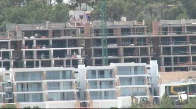 29/05 Una promotora comercilialitza a Cala Vadella apartaments de luxe.