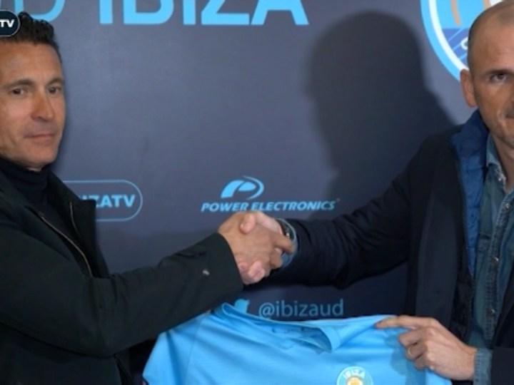 10/01 Soriano presentat com a nou director esportiu de l'UD Eivissa
