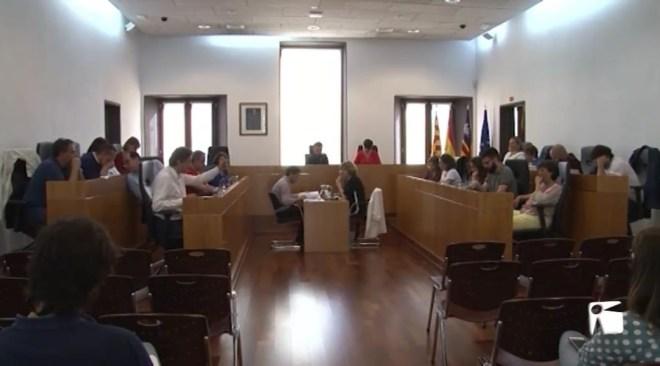 17/05/2019 Vila aprova 12 llicències fixes de taxis