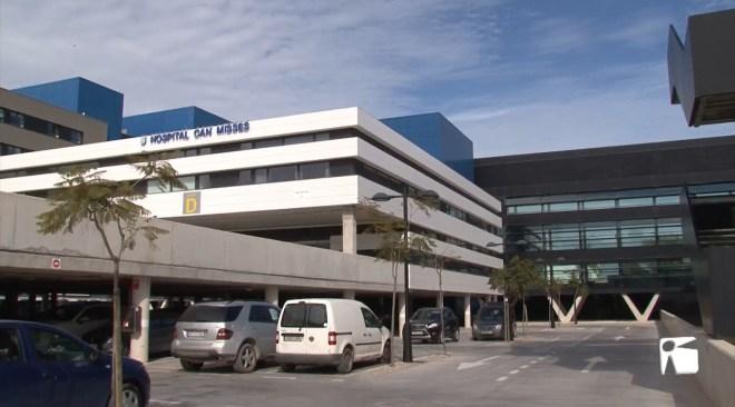 07/10/2019 Un rent a car aparca els cotxes a l'Hospital