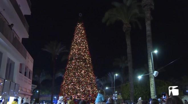 05/12/2019 Sant Antoni ja ha encès els llums de Nadal
