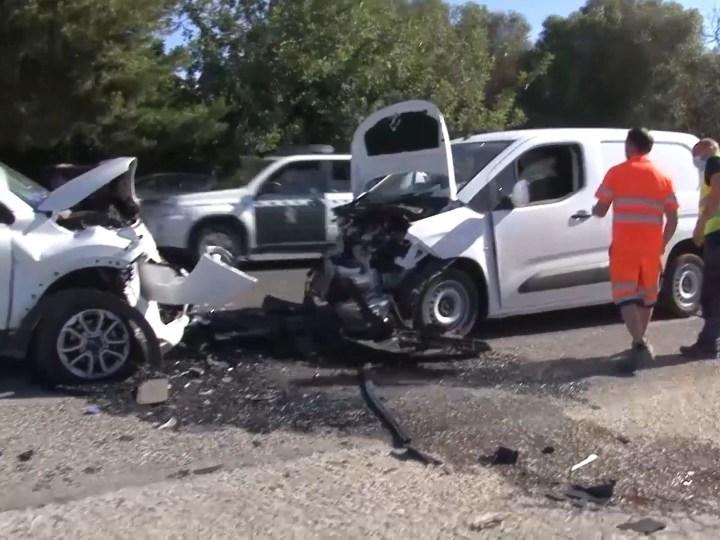 05/06/2020 Tres ferits en un violent xoc frontal a la carretera de Sant Josep