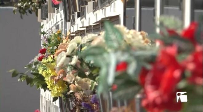 28/10/2020 Més flors artificials per les restriccions d'horaris