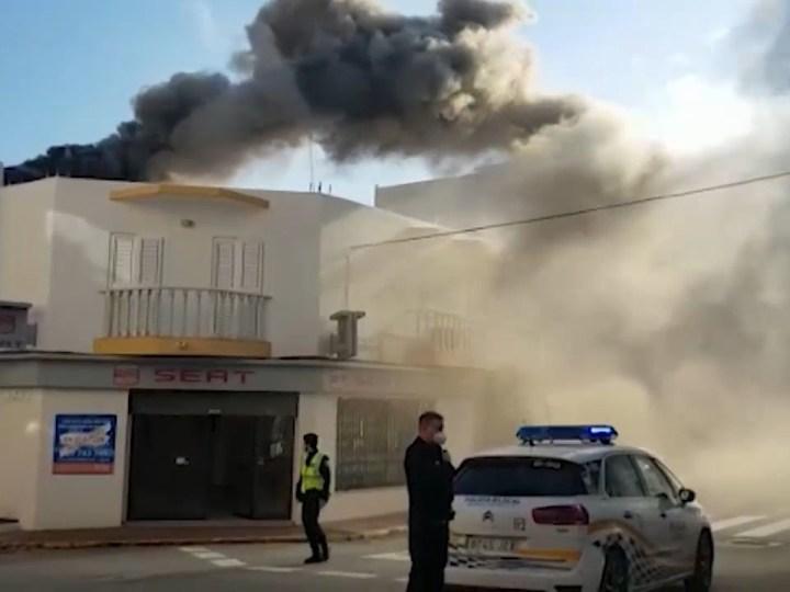 09/03/2021 Ensurt per un incendi a Santa Eulària