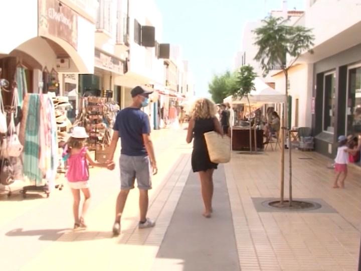 02/08/2021 Formentera s'oposa a tancar abans la restauració