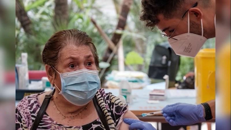 23/09/2021 Els majors es vacunen amb la tercera dosi