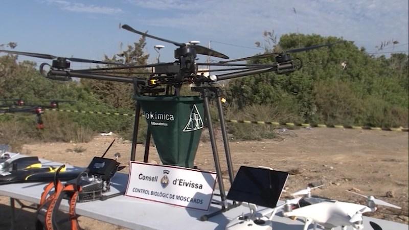 21/10/2021 Drons per fumigar els moscards