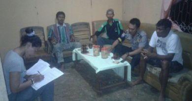 Bhabinkantibmas Baito Melakukan mediasi perebutan hak asuh anak di Desa Baito. FOTO MAHIDIN