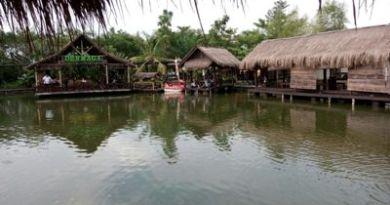 Restoran yang berada di tengah-tengah danau Buatan menjadi lokasi wisata kuliner ternyaman di Boyolali. FOTO : AGUNG NUGROHO
