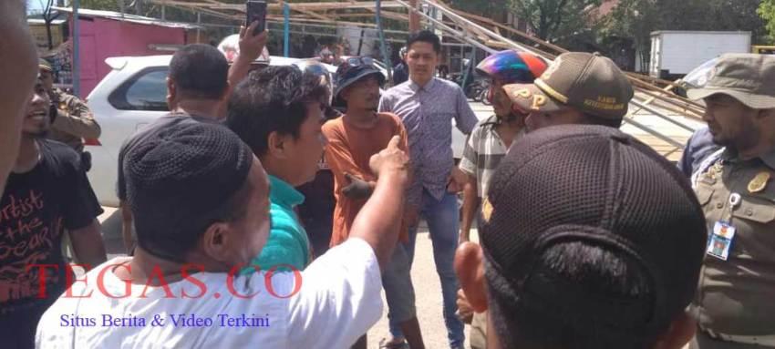 Aksi Protes Warnai Penertiban Kios Pedagang di Eks MTQ Kendari