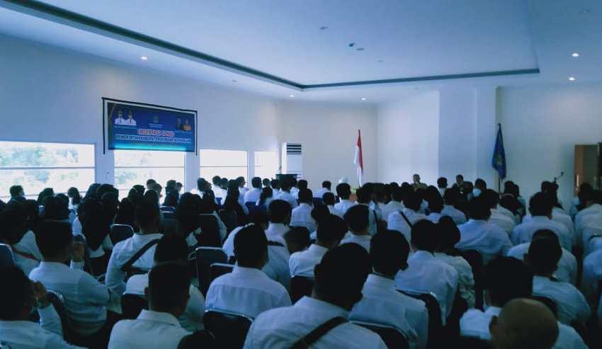 Sebanyak 173 Calon Pegawai Negeri Sipil (CPNS) kabupaten Konawe Kepulauan (Konkep) mengikuti tahap orientasi di pelataran aula pertemuan kantor Bupati Konkep
