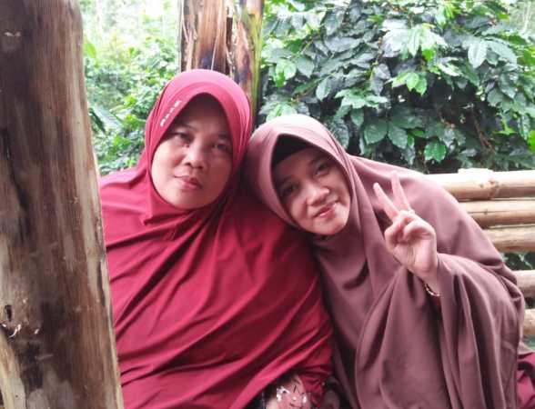 Dede Ummu Lulu (Ibu Rumah Tangga)