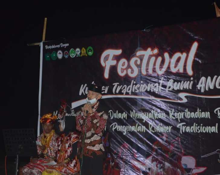 Wali Kota Baubau saat memberikan sambutan di Festival Kuliner Tradisional Bumi ANOA