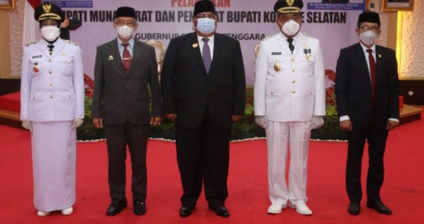 Gubernur Sultra dan wakil diapit Bupati Mubar dan Pj. Bupati Konsel beserta Asisten 1 Prov Sultra saat foto bersama