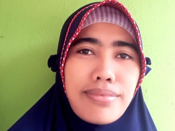 Dewi Tisnawati, S. Sos. I (Pemerhati Sosial)