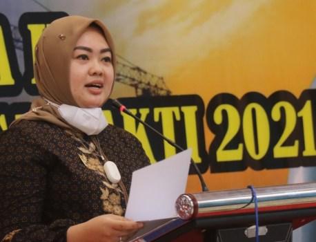 Wakil walikota kendari DR.Hj.Siska Karina Imran