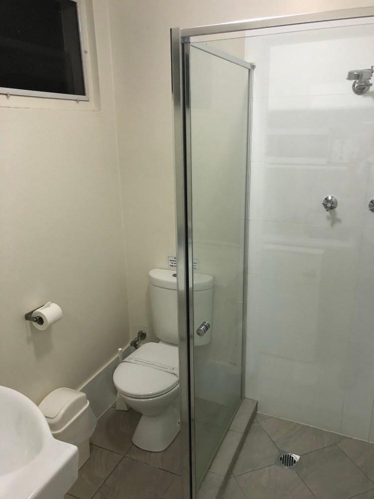 Reign Inn bathroom