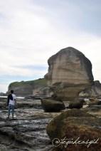 Batu Payung dan Tamu