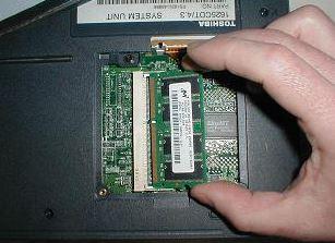 ram VGA laptop untuk perbaiki layar bergaris