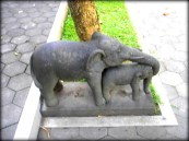Elephant statue at Vihara Mendut