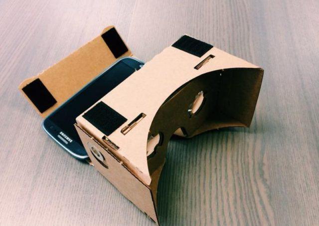 如何用自己的手制作VR眼镜:用于电话,PC,图纸,视频