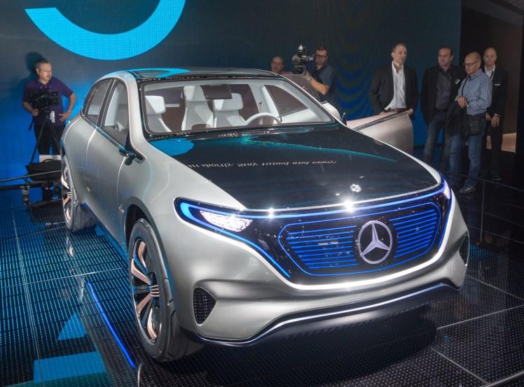Mercedes gre še odločneje v električno prihodnost.