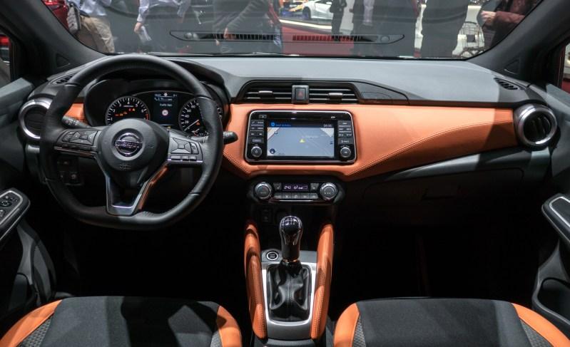 Nissan micra ponuja zanimivo in uporabno nostranjost.