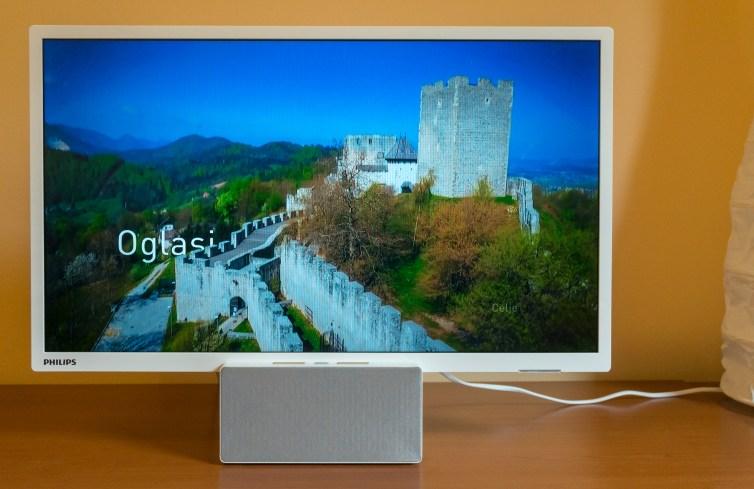 Televizijska slika je ostra in ima dokaj lepe barve, seveda pa ni dinamičnega razpona dražjih zaslonov.