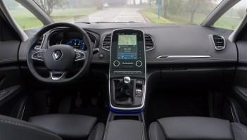 Notranjost je zelo podobna kot v ostalih Renaultovih modelih.