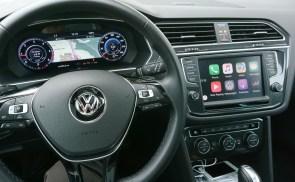Vozniko delovno okolje je mešanica znanega in futurističnega.