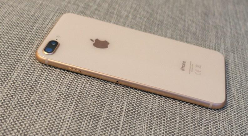iPhone8PlusOdstrani2