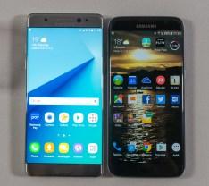 Note 7 je malenkost večji kot S7 Edge (desno).