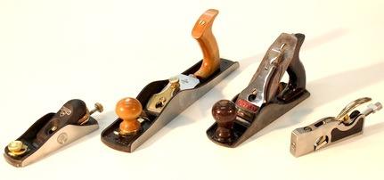 Рубанок что это такое Виды - деревянные и металлические кромочные и торцевые другие их устройство Чем отличается от фуганка