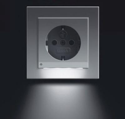 Elektricheskaia rozetka s podsvetkoi