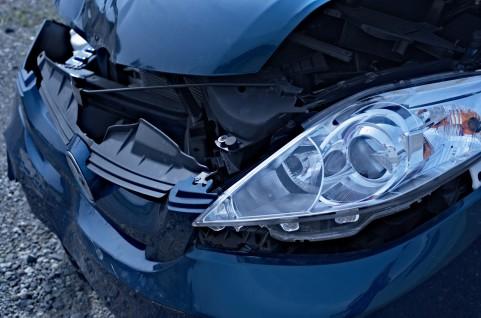 運転免許を取り立てで事故を起こした車。