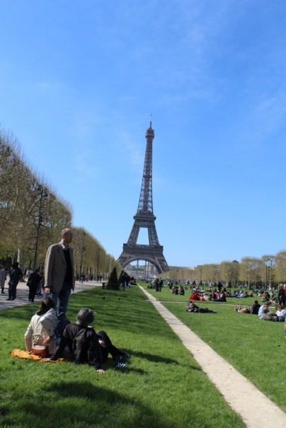Eiffelturm weit